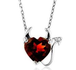 3 carat garnet necklace